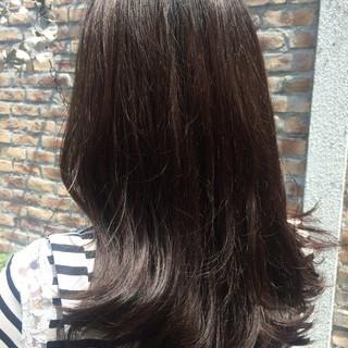 暗髪 グレー 透明感 アッシュグレー ヘアスタイルや髪型の写真・画像