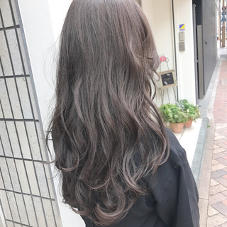グレージュ ブルージュ アッシュベージュ 透明感 ヘアスタイルや髪型の写真・画像