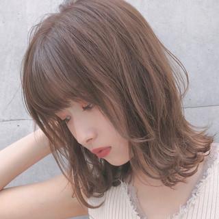 レイヤーカット ゆるふわ ミディアム 大人かわいい ヘアスタイルや髪型の写真・画像