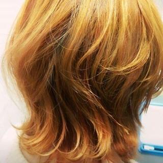 イエロー ハイトーン モード ミディアム ヘアスタイルや髪型の写真・画像