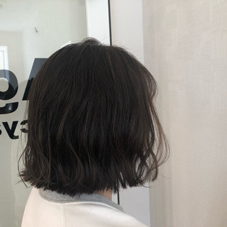 グレージュ 切りっぱなしボブ ナチュラル オリーブアッシュ ヘアスタイルや髪型の写真・画像