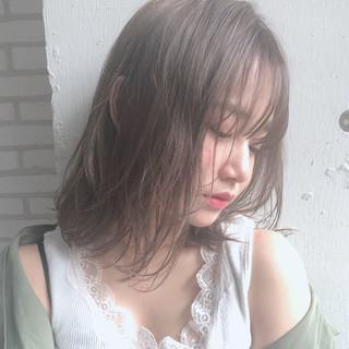 ゆるふわ 大人かわいい ミディアム アンニュイほつれヘア ヘアスタイルや髪型の写真・画像