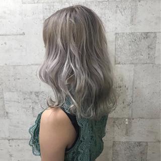 ハイトーン 上品 外国人風カラー セミロング ヘアスタイルや髪型の写真・画像 ヘアスタイルや髪型の写真・画像