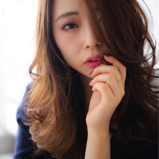 モード 暗髪 フェミニン セミロング ヘアスタイルや髪型の写真・画像