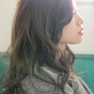 アッシュ セミロング 大人かわいい 透明感 ヘアスタイルや髪型の写真・画像