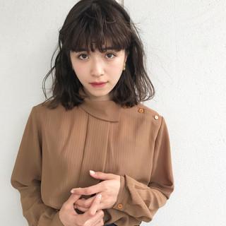 梅雨 ウェーブ 女子会 アンニュイ ヘアスタイルや髪型の写真・画像