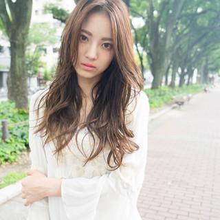 透明感 ロング 大人かわいい 外国人風 ヘアスタイルや髪型の写真・画像