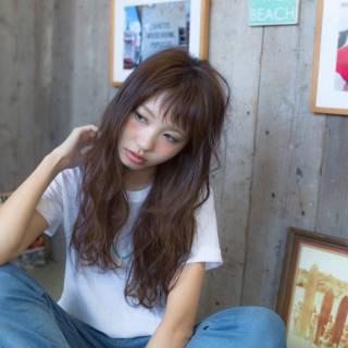 ストリート パンク シースルーバング セミロング ヘアスタイルや髪型の写真・画像