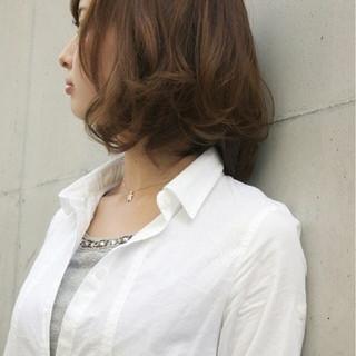 パーマ フェミニン ボブ 抜け感 ヘアスタイルや髪型の写真・画像 ヘアスタイルや髪型の写真・画像