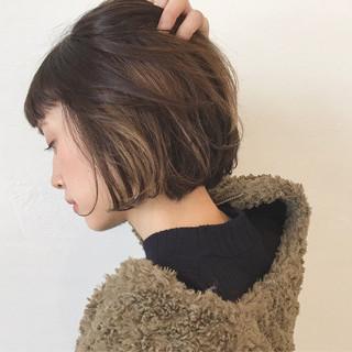 インナーカラー ストリート ハイライト アッシュ ヘアスタイルや髪型の写真・画像