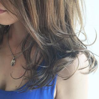 ゆるふわ セミロング ハイライト グラデーションカラー ヘアスタイルや髪型の写真・画像
