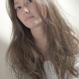 アッシュ パーマ ロング モード ヘアスタイルや髪型の写真・画像 ヘアスタイルや髪型の写真・画像