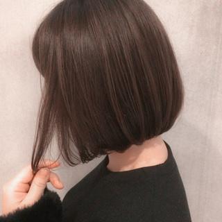 ボブ イルミナカラー 切りっぱなし ナチュラル ヘアスタイルや髪型の写真・画像