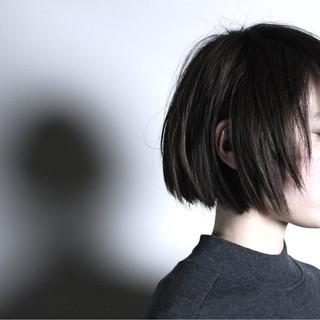 ボブ ブラウン アッシュ 外国人風 ヘアスタイルや髪型の写真・画像