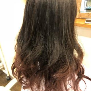 ナチュラル グラデーションカラー レッド ハイライト ヘアスタイルや髪型の写真・画像
