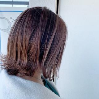 ヘアカラー 3Dハイライト ミディアム エレガント ヘアスタイルや髪型の写真・画像