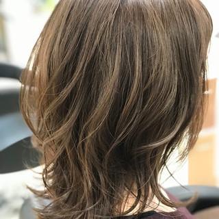 小顔ヘア ミディアム フェミニン ヘアスタイルや髪型の写真・画像