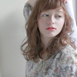 アンニュイ ナチュラル ウェーブ こなれ感 ヘアスタイルや髪型の写真・画像