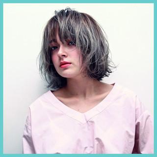 外国人風 ハイトーン ナチュラル ストリート ヘアスタイルや髪型の写真・画像