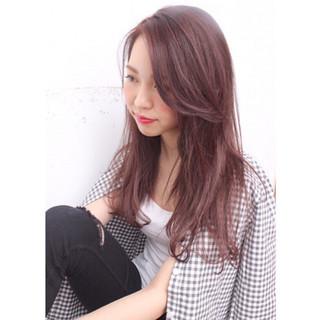 ロング 外国人風 イルミナカラー レッド ヘアスタイルや髪型の写真・画像