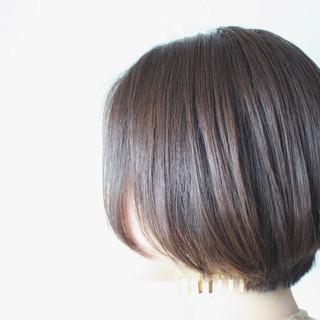 シルバーアッシュ ボブ シルバー ナチュラル ヘアスタイルや髪型の写真・画像 ヘアスタイルや髪型の写真・画像