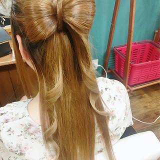 ナチュラル ゆるふわ フェミニン ヘアアレンジ ヘアスタイルや髪型の写真・画像