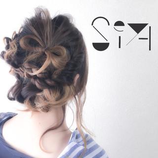 簡単ヘアアレンジ オン眉 ヘアアレンジ ミディアム ヘアスタイルや髪型の写真・画像