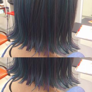 インナーカラー ブルーアッシュ ストリート カール ヘアスタイルや髪型の写真・画像