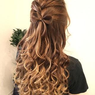 編み込み ヘアアレンジ フェミニン ハーフアップ ヘアスタイルや髪型の写真・画像
