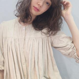 波巻き ブルーアッシュ 暗髪 ガーリー ヘアスタイルや髪型の写真・画像