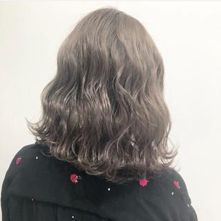 外国人風カラー アッシュグレージュ ストリート グレージュ ヘアスタイルや髪型の写真・画像