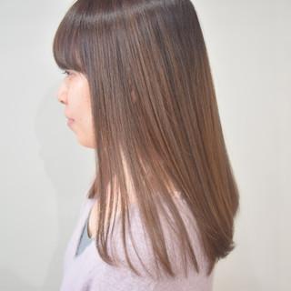 ミルクティーベージュ アッシュベージュ ベージュ ナチュラル ヘアスタイルや髪型の写真・画像