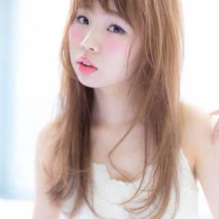 ロング 透明感 フェミニン ゆるふわ ヘアスタイルや髪型の写真・画像