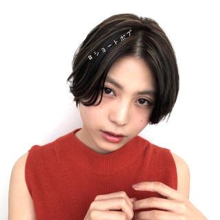 ショート ナチュラル ショートボブ 暗髪 ヘアスタイルや髪型の写真・画像