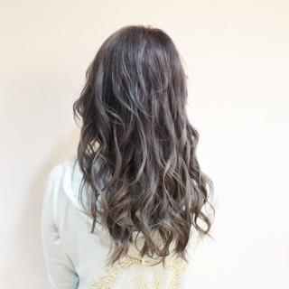 モード ロング グレージュ ブリーチ ヘアスタイルや髪型の写真・画像 ヘアスタイルや髪型の写真・画像