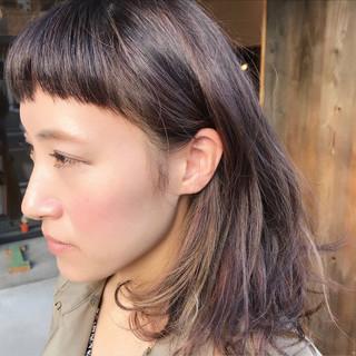 オン眉 ナチュラル パープル ワイドバング ヘアスタイルや髪型の写真・画像