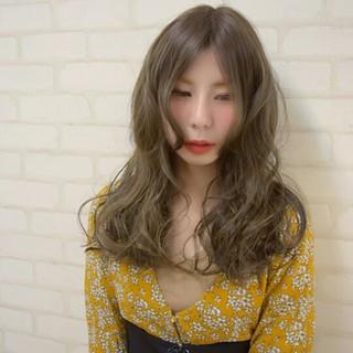 アンニュイ デート ハイライト パーマ ヘアスタイルや髪型の写真・画像 ヘアスタイルや髪型の写真・画像