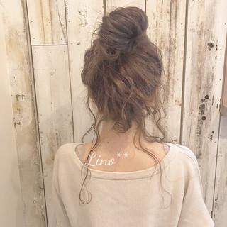 ベージュ フリンジバング セミロング ナチュラル ヘアスタイルや髪型の写真・画像 ヘアスタイルや髪型の写真・画像