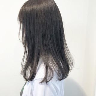 ダークグレー グレージュ ダークアッシュ ナチュラル ヘアスタイルや髪型の写真・画像