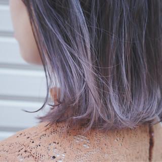 ラベンダーアッシュ 切りっぱなし グラデーションカラー ブリーチ ヘアスタイルや髪型の写真・画像