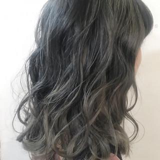 秋 アッシュグレー 外国人風カラー ミディアム ヘアスタイルや髪型の写真・画像