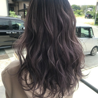 外国人風カラー セミロング ハイライト ラベンダーアッシュ ヘアスタイルや髪型の写真・画像