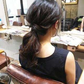 ナチュラル スモーキーアッシュベージュ 簡単ヘアアレンジ アッシュベージュ ヘアスタイルや髪型の写真・画像
