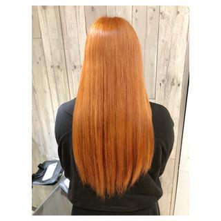 セミロング ブリーチカラー アプリコットオレンジ オレンジベージュ ヘアスタイルや髪型の写真・画像