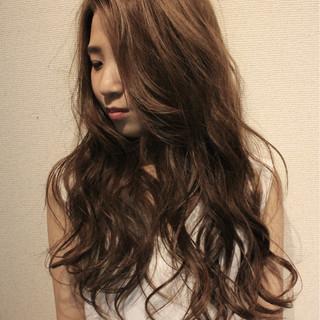 波ウェーブ 外国人風 アッシュ ナチュラル ヘアスタイルや髪型の写真・画像