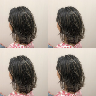 グレージュ ミルクティーベージュ デート ハイライト ヘアスタイルや髪型の写真・画像