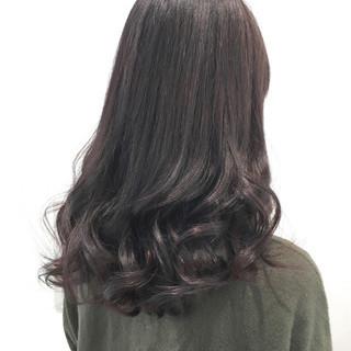 ロング ウェーブ ゆるふわ フェミニン ヘアスタイルや髪型の写真・画像 ヘアスタイルや髪型の写真・画像