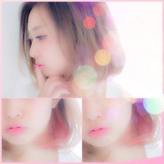 ミディアム ガーリー ピンク インナーカラー ヘアスタイルや髪型の写真・画像