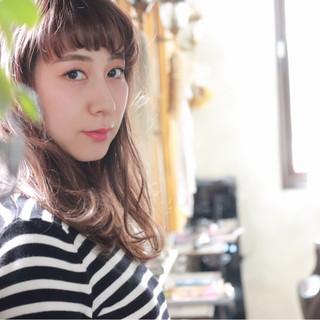 イルミナカラー ミディアム ニュアンス フェミニン ヘアスタイルや髪型の写真・画像