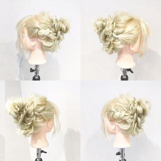 ショート 簡単ヘアアレンジ フェミニン ゆるふわ ヘアスタイルや髪型の写真・画像 ヘアスタイルや髪型の写真・画像